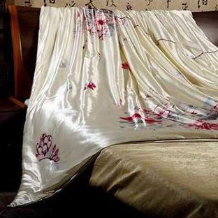 彩绘丝绸被
