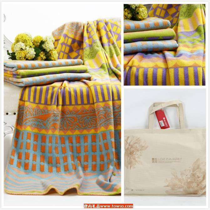 印花舒柔毯:彩格